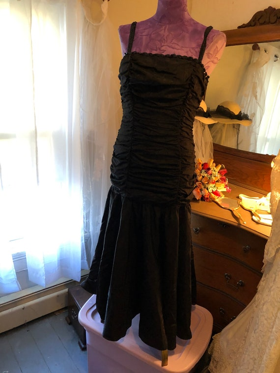 1980s Gunne Sax Black Satin Midi Dress - Size 9 G… - image 2