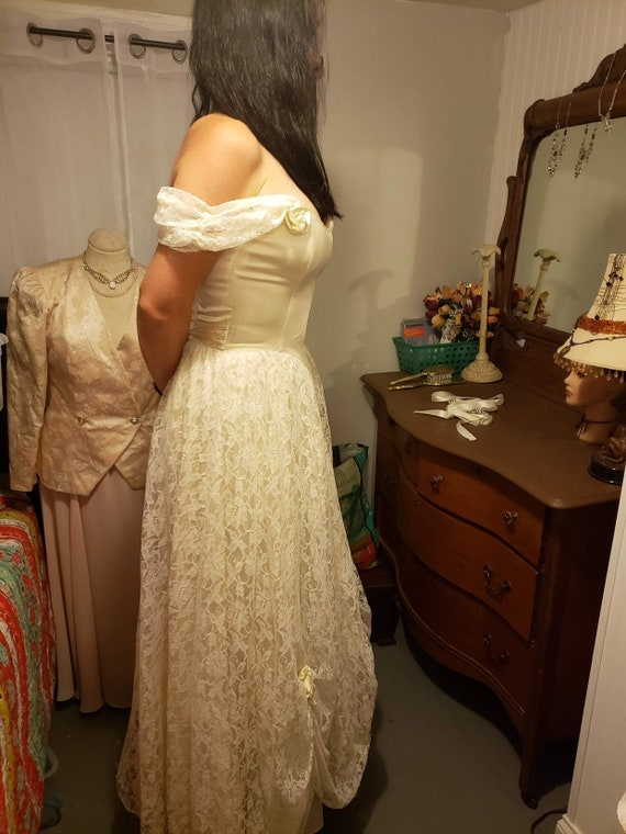 Vintage Wedding Dress - Gunne Sax Ivory Satin and