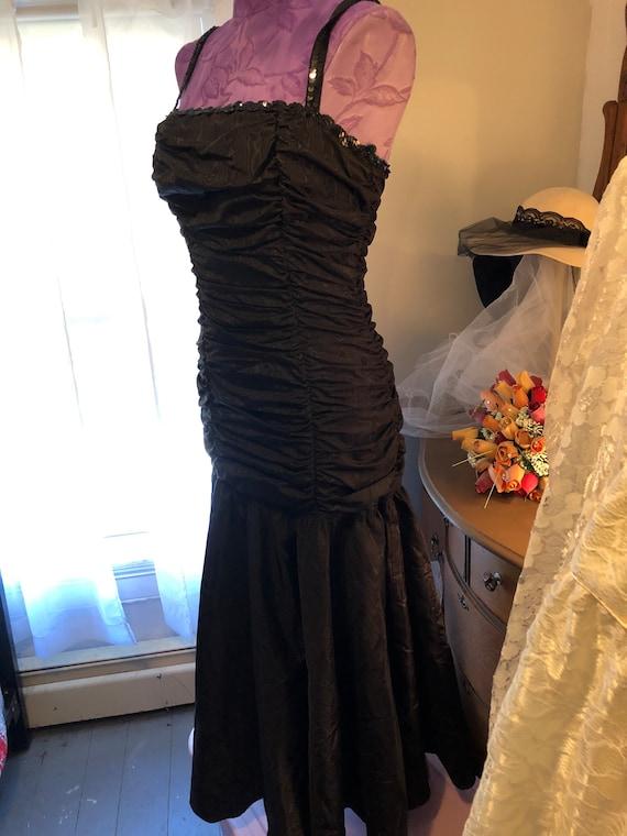 1980s Gunne Sax Black Satin Midi Dress - Size 9 G… - image 3