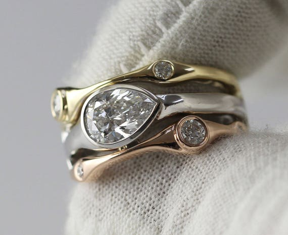 Horizontal Bezel Set Pear Shape Diamond Ring, 14K Gold Bezel Setting, Pear Shape Ring, Multistone Ring, Horizontal Set Ring, Unique Ring