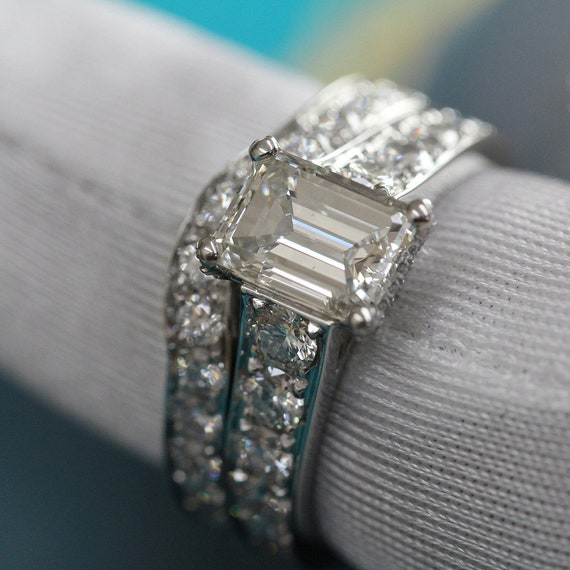 Emerald Cut Diamond Engagement Ring, Center Diamond 1.5 ct,  Accent Diamonds 1.2Ctw G-H VS1