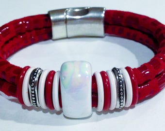 Red and white leather bracelet with a magnetic clasp