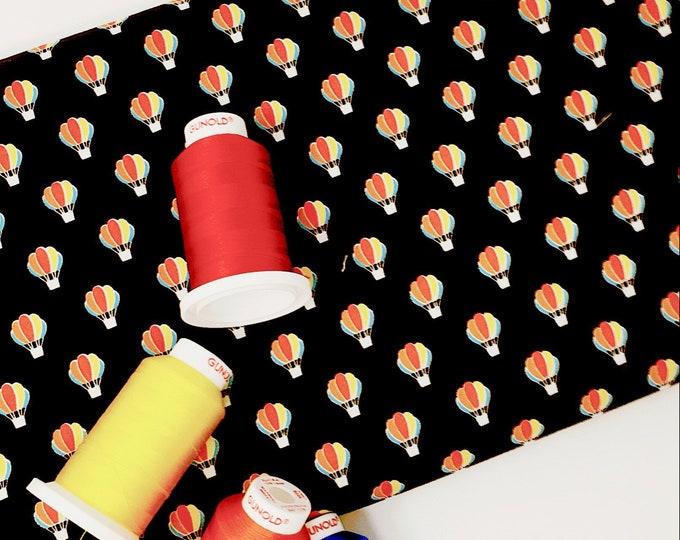 Hot air balloon printed cotton - Hot air balloons nursery decor - Hot air balloon quilt fabric