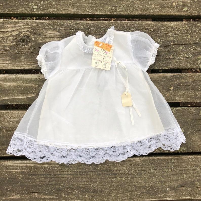 86702b51243b5 Vintage 12 mois robe dentelle blanche à volants fantaisie