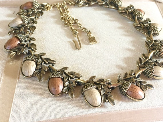 Vintage 60s Coro Thermoset Acorn Collar Necklace