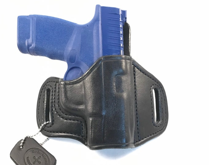 Springfield Hellcat (zero cant) * Ready to Ship * - Handcrafted Leather Pistol Holster