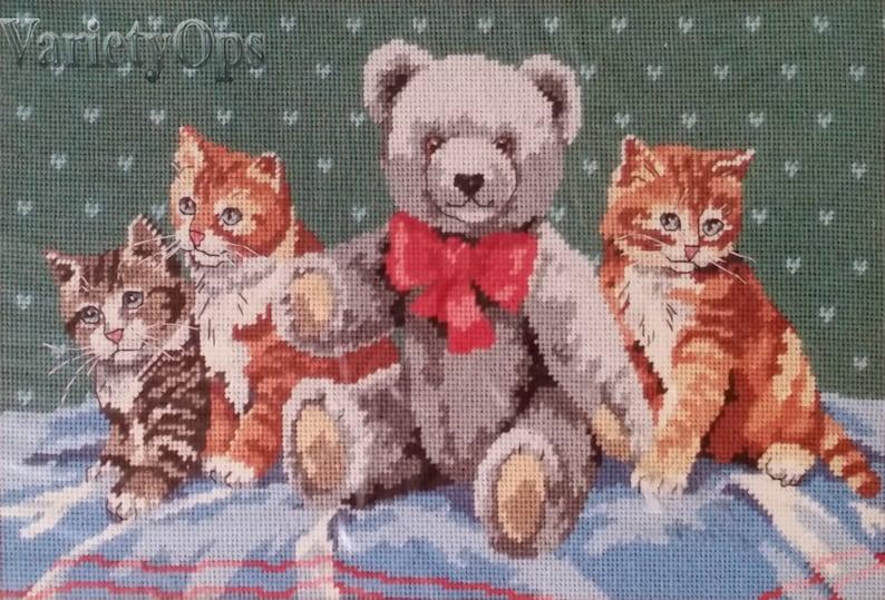 children/'s room Bear Kitten Vintage 1989 TEDDY/'S NEW Friends Needlepoint Kit By Dimensions Teddy Bear Calico Friends