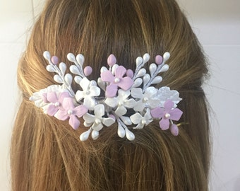Bridal or communion comb of cold porcelain of leaves and flowers color nacre, pink and silver grey