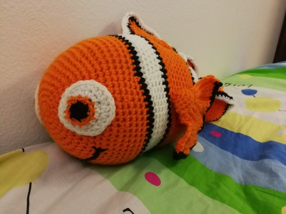 Crochet Pattern: Clown Fish | Flying Dutchman Crochet Design | 428x570