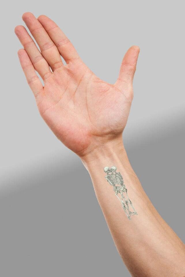 Küssen Skeletts temporäres Tattoo: Unsterbliche Liebe kleine | Etsy