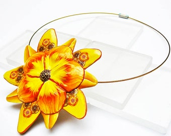 Necklace short yellow flower polymer clay
