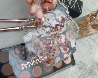 Resin make up and beauty mixing palette, wipe clean