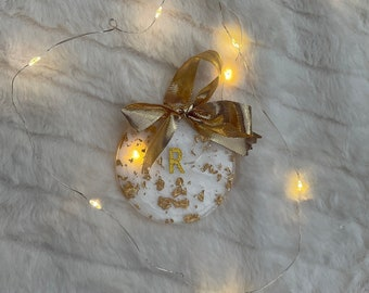 Personalised letter resin bauble with gold accents
