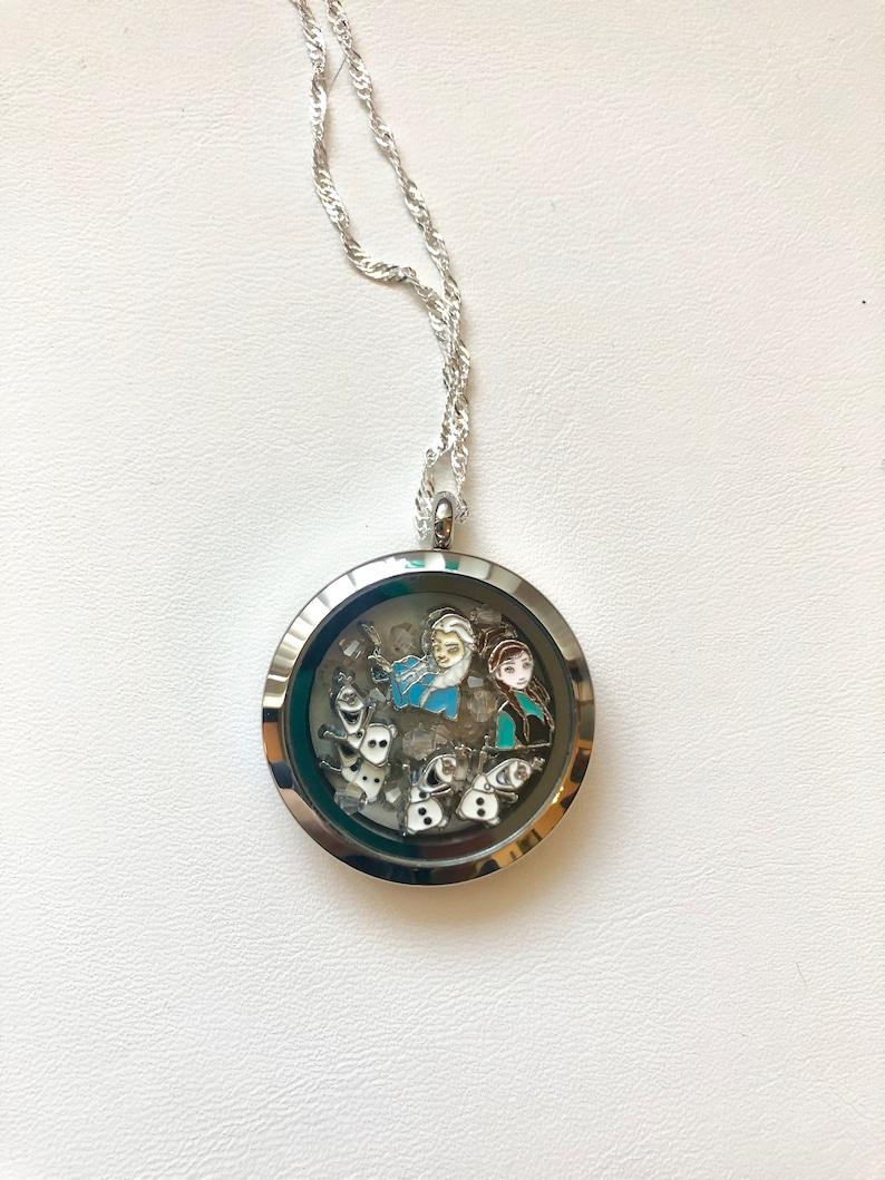 Frozen Elsa Anna Accessorio per capelli/'s Jewellery Medaglione Chain Ring Set Costume