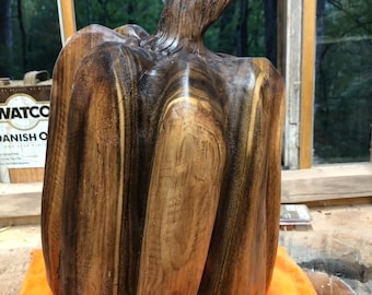 Chainsaw Carved Pumpkins for Halloween and Thanksgiving