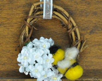 Cute White Flower Mini Wreath with Bright Golden Needle Felted Wool Bee