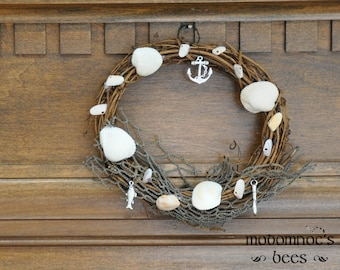 Beachcomber Wreath: 6 Inch Seaside Cottage Themed Seasonal Summer Wreaths Featuring Sea Shells, Fish, Anchor, & Hook Charms, and Net