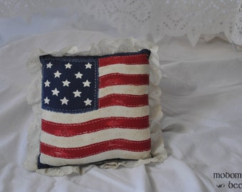 "Vintage 7""x7"" American Flag Throw Pillow with Edge Ruffles"