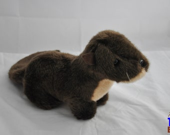 Adorable Plush Baby Otter From the Tennessee Aquarium