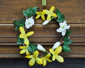 Lothlorien Elanor and Niphredil (Snowdrops) Yellow and White Flowers Tolkien Wreath