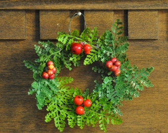 Tiny New Zealand Christmas Wreath: Features Karamu Berries, Swamp Maire, and Silver Fern
