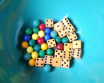 Lot of Game Dice Glass Marbles Akro Agate 1940s Bakelite Vintage Gaming Pieces