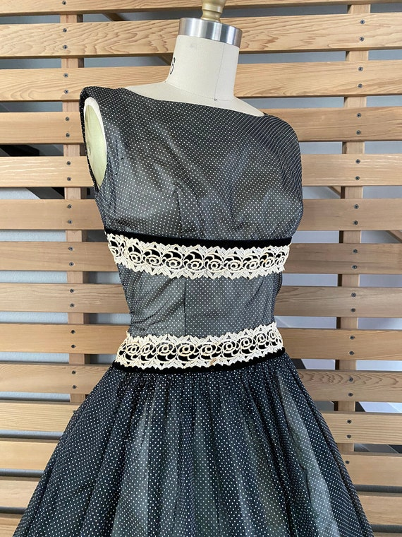 1950s Dress   Fantastic 50s Black and White Dotte… - image 6