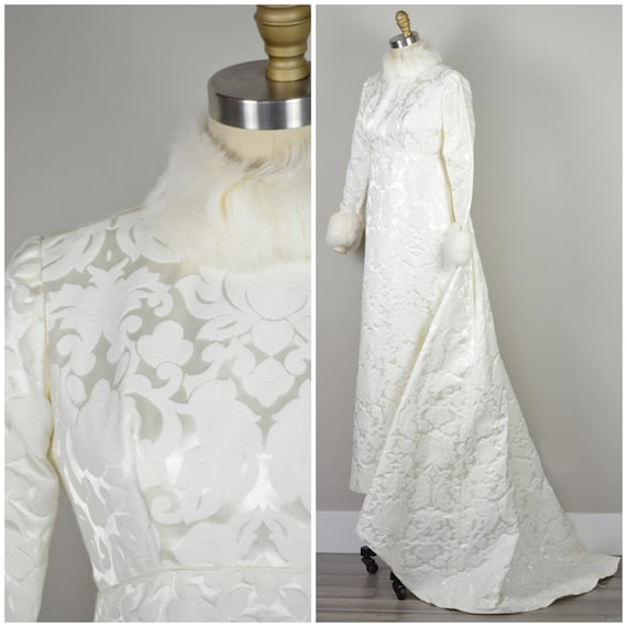1960s Wedding Gown   Gorgeous Barcode Bright White
