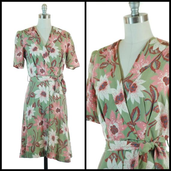 1930s Dress | Stunning 30s Rayon Blend Dress in Ol