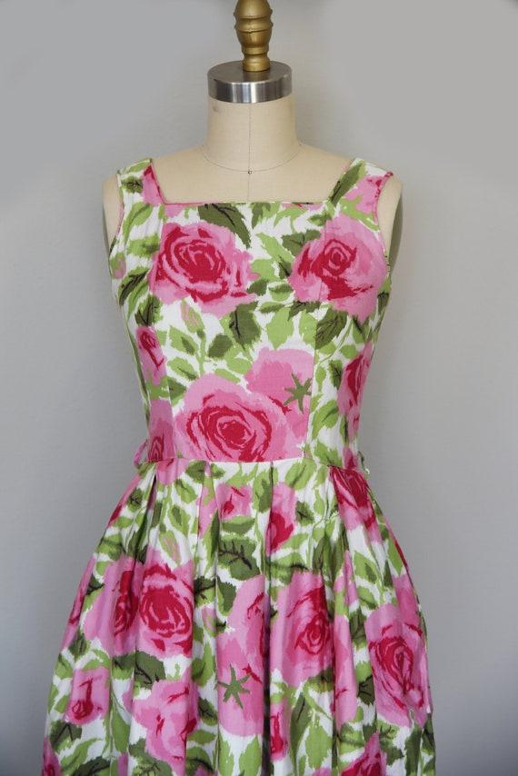 1950s Dress | Lovely 1950s Cotton Rose Print Dres… - image 3