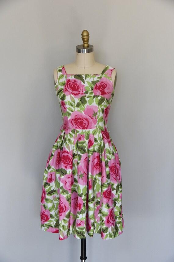 1950s Dress | Lovely 1950s Cotton Rose Print Dres… - image 2