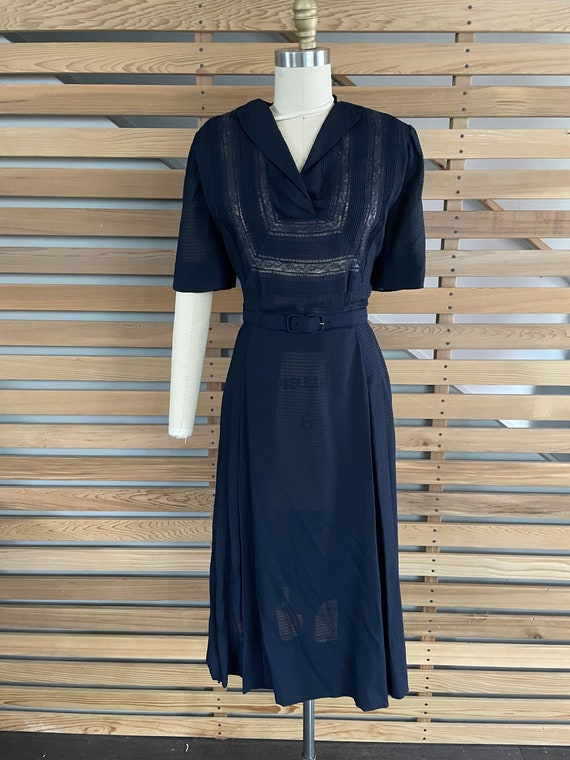 1940s Dress   Lovely 40s Rayon Sheer Dress with L… - image 2