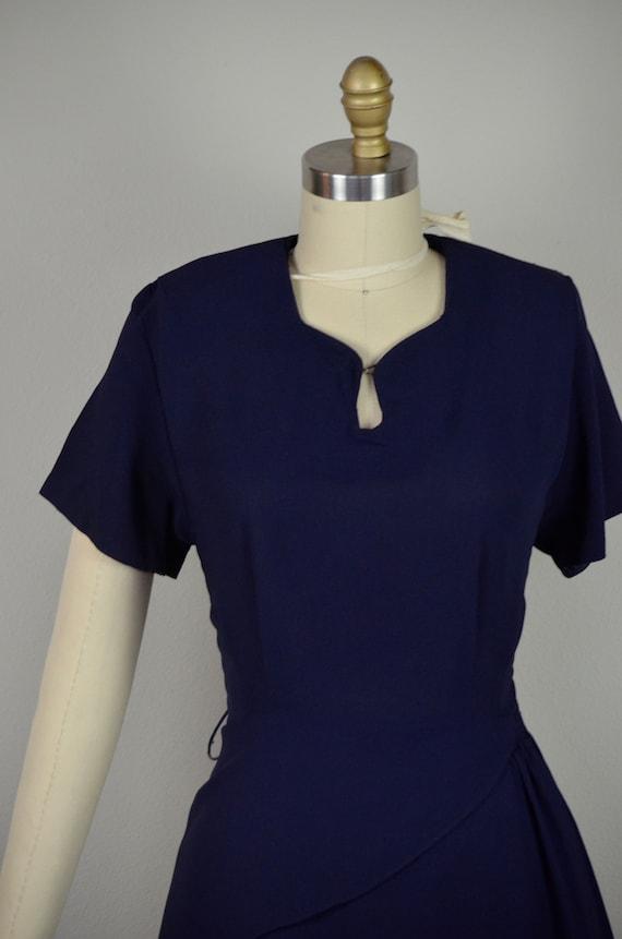 1940s Dress   Classic 40s Navy Blue Rayon Dress w… - image 3