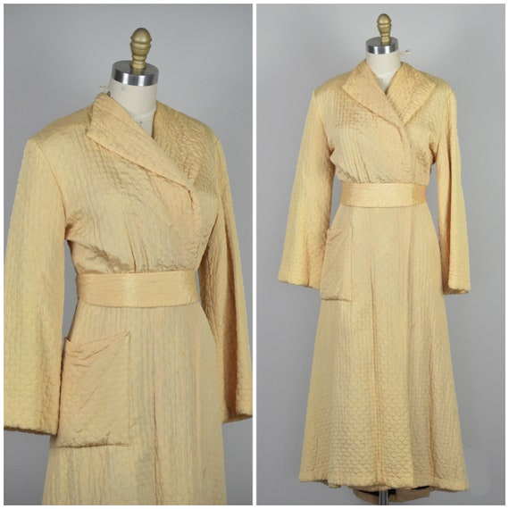 1940s Robe | Striking 40s Champagne Quilted Nylon