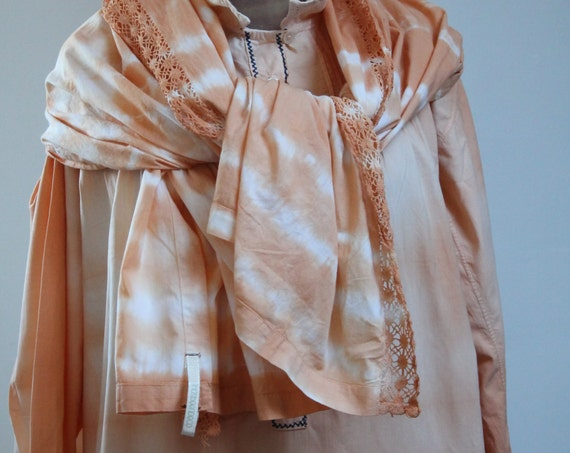 Large Scarf / Stole / Vintage Shawl - Hand crocheted in France - Color light orange - Réf FOU160675