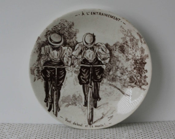 French Joke decorative plate from SARREGUEMINES - Bicycle training early twentieth