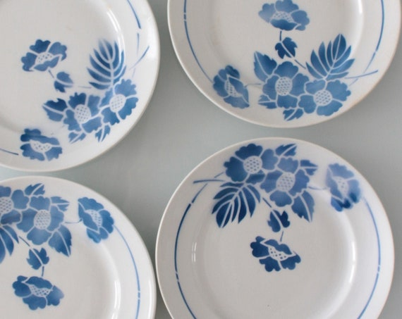 6 Vintage white and blue plates, Moulin des Loups plate, flowered plate, transferware dinnerset, antique blue plate