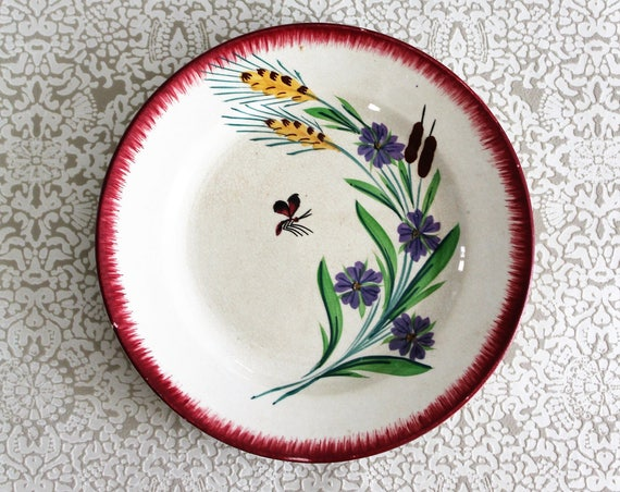 1 hand painted decorative plate from the pottery SARREGUEMINES, in Porcelain, from France