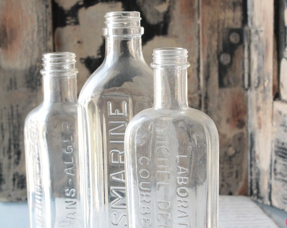 Collection of 3 bottles, glass bottles of pharmacy of France, industrial decor apothecary, Cabinet curiosities, VER191749