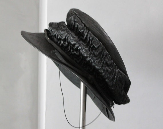 Old french black hat, early 20th century hat, ancient canoe, French chapel, antique décor, black old headdress, CHAP181447