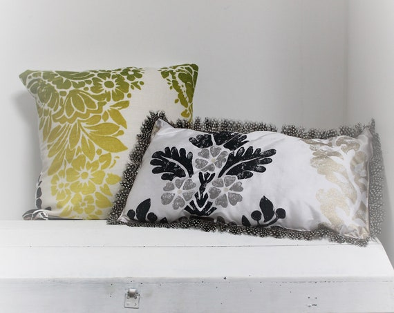 """Throw pillow with flowers, Designer Guild fabric cushion, cushion with message """"Be Quiet"""", double cushion, unique, antique linen"""