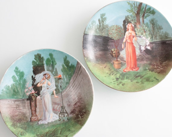 2 decorative plates in Limoges porcelain, signed Francis, AST181355