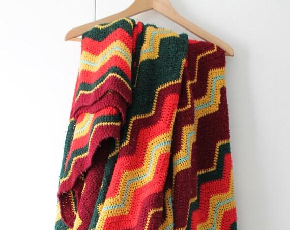 Couverture crochet vintage /Motif Zig Zag/ Dessus de lit fait main au crochet/ 1970 /Vert / Jaune / Corail/ Prune /CR150157