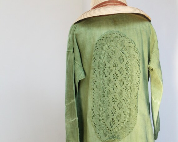 Antique French hemp dress, a hundred-year-old interior decoration of amazonian green color, decorated with a vintage dyed placemat, CH160688