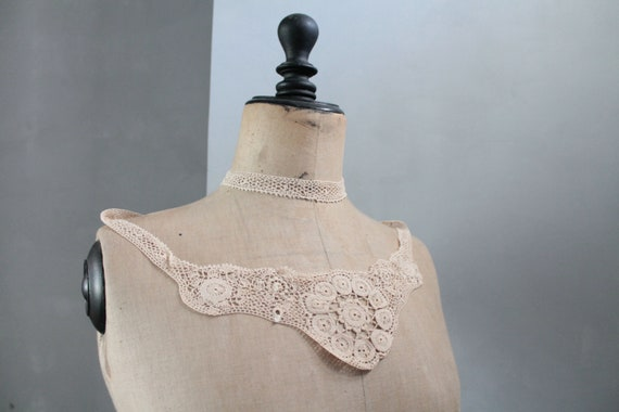 Old antique lace crochet, handmade accessory lace collar, old fashion, wedding collar, lace,