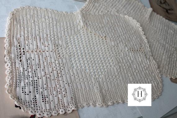 2 vintage crochet place mats, doilies, vintage, table decor, Ecru doily wedding, plates, set of 2 place mats