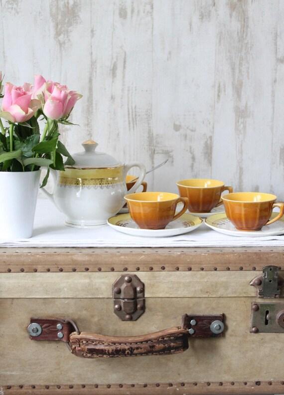 DIGOIN SARREGUEMINES 4 cups /4 saucer/1 sugar bowl - Yellow - yellow coffee set-