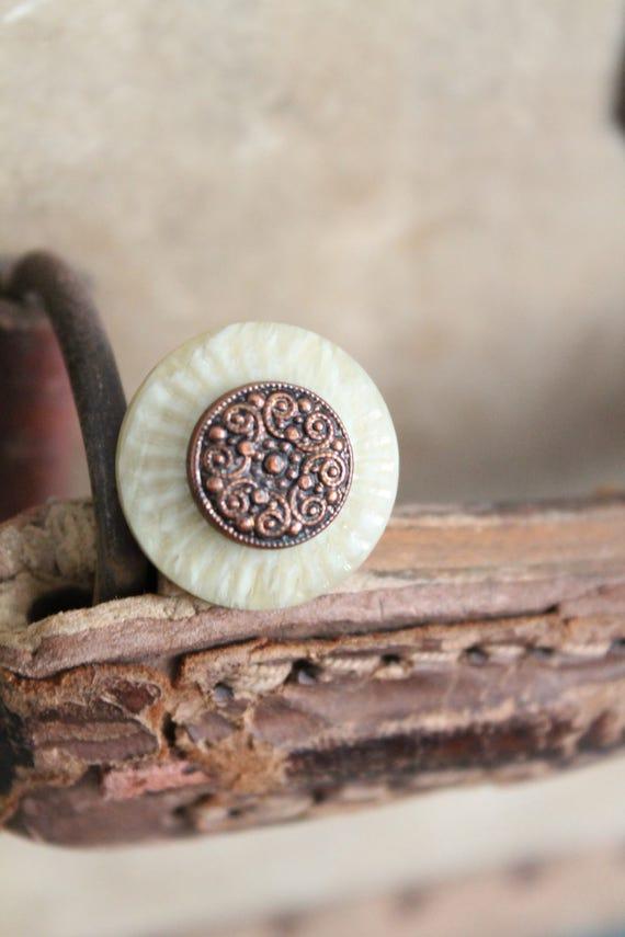Bague fantaisie pour femme, bijou féminin, fabriqué avec des boutons anciens français, Cadeau maman, Cadeau pour elle