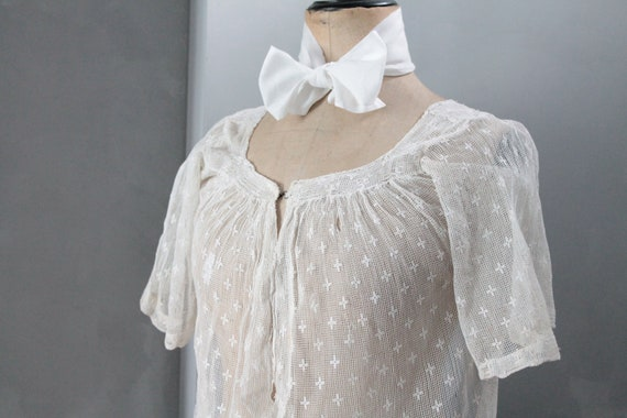 Old butt shirt, Old women's tunic, Old clothing, backless shirt, vintage women's blouse, shirt 1900, CH191680