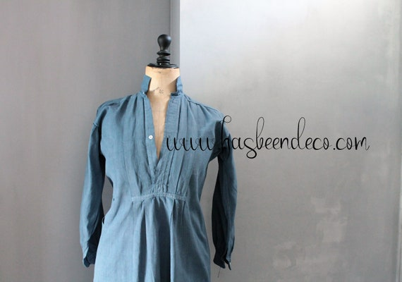 Antique blue French shirt, around 1900, centenary, indigo blue color, hemp dress, blue shirt, CH201907